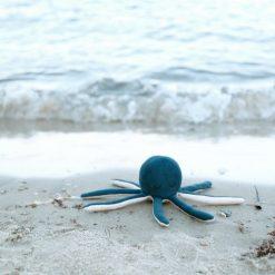 Fabelab octopus rammelaar strand