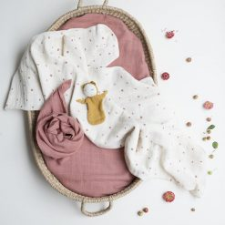 Fabelab swaddle set wild berry sfeer 1