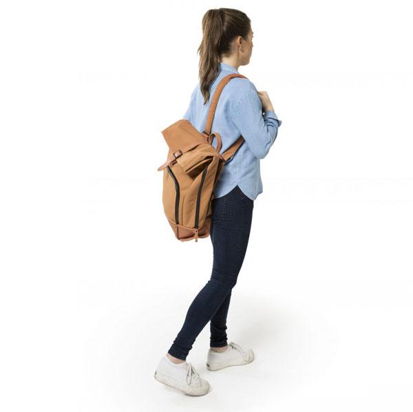 dusq-family-bag-canvas-model-1