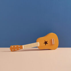 kids-concept-gitaar-liggend
