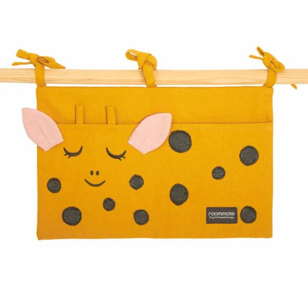 roommate-bed-pocket-giraf