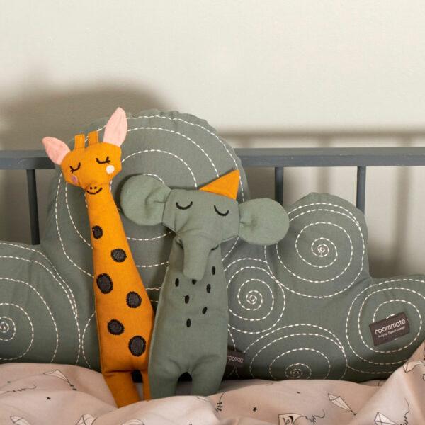 roommate-ragdoll-giraffe-2